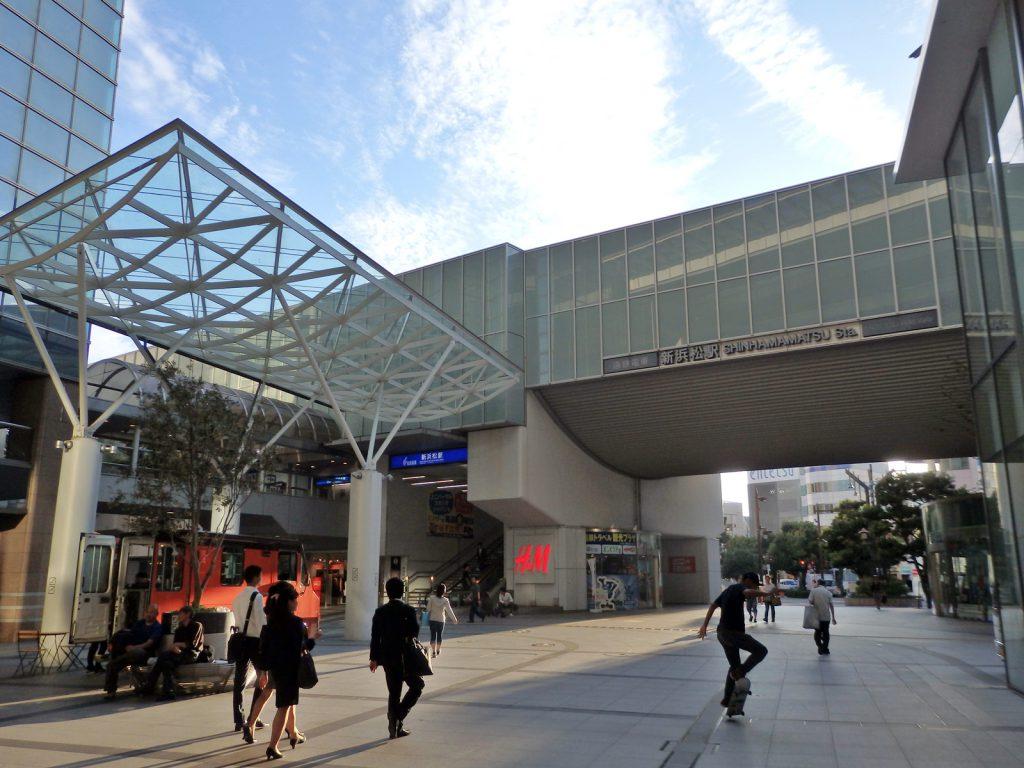 新浜松駅前の様子(鳴海)
