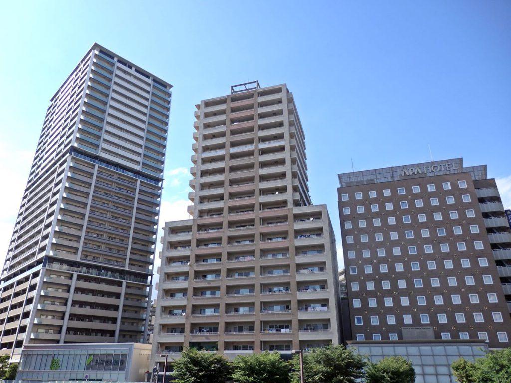 駅北側でアパfグループにより開発されたマンション・ホテル群
