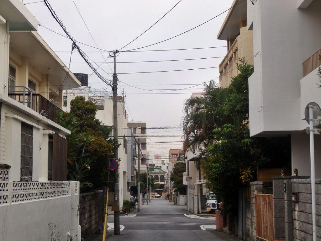那覇の旧市街地、久米地区の住宅街の様子