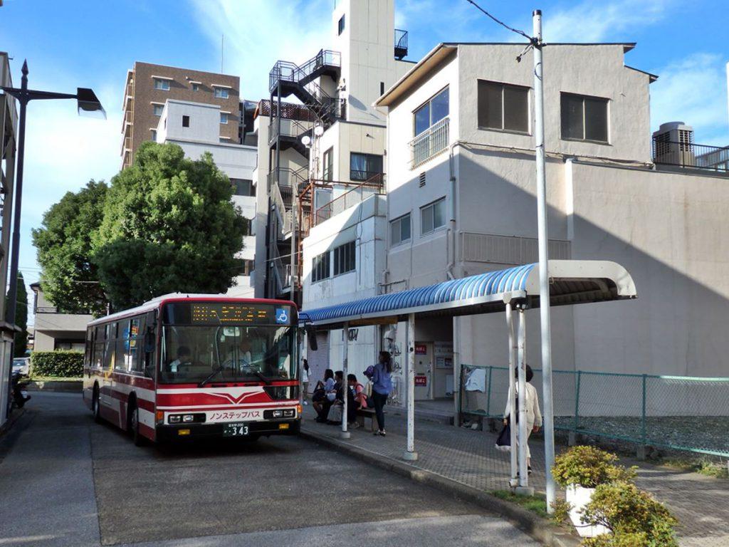 八千代市の各地を結ぶ足、東洋バス。八千代出身のバス会社であることは間違いないのですが、その歴史には謎が多いです
