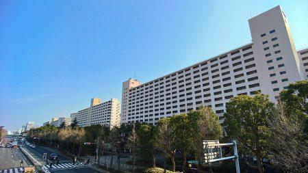 都営三田線高島平駅前の高層住棟。圧巻の眺めだ