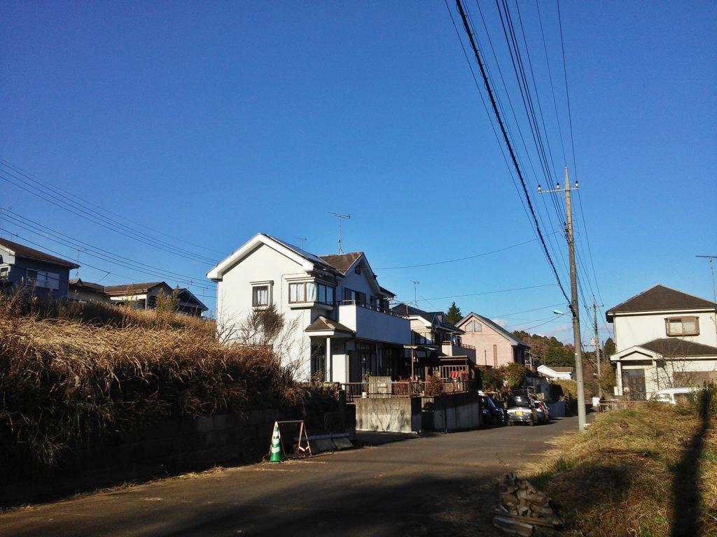 空港特需を見込んで開発・造成された住宅地。成田市吉岡にて(撮影:吉川祐介・2017年)