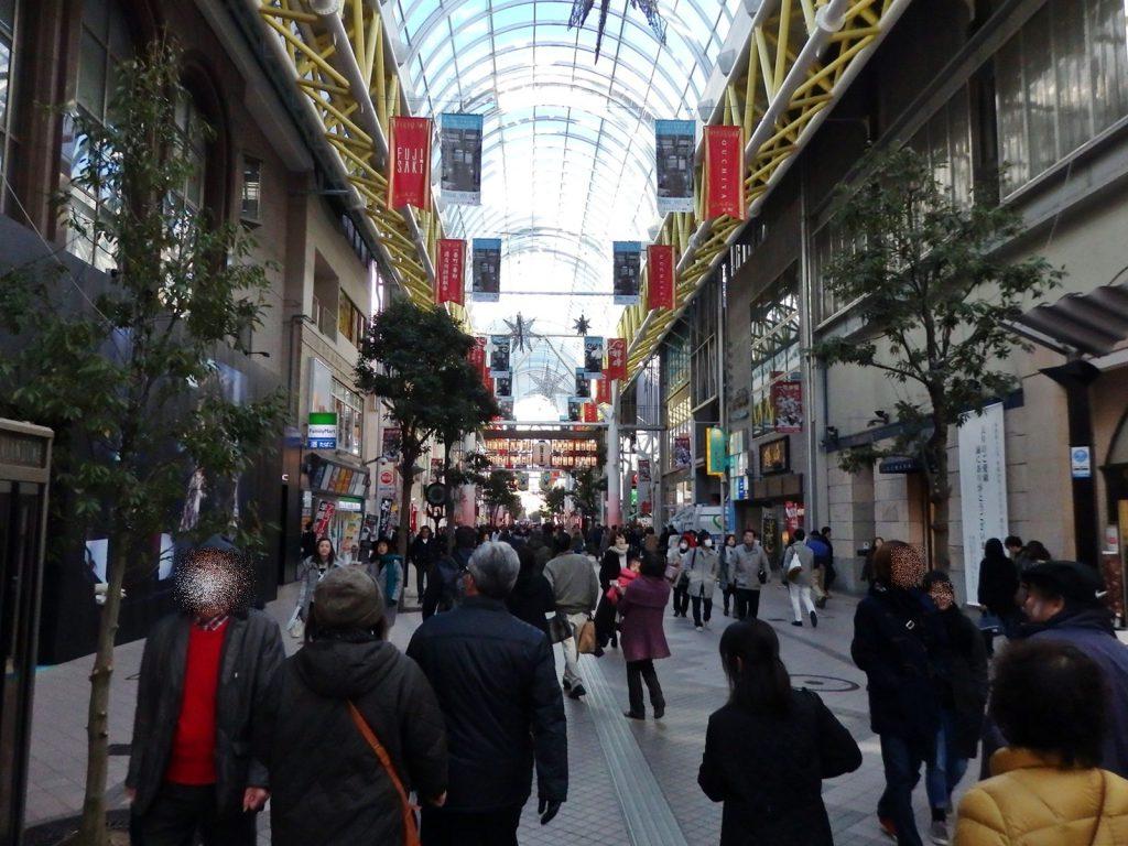 「ぶらんどーむ一番町」はお洒落な雰囲気の商店街だ (撮影:鳴海行人・2015年)