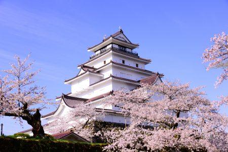 会津若松の鶴ヶ城(写真ACより、バカボン君さん撮影)